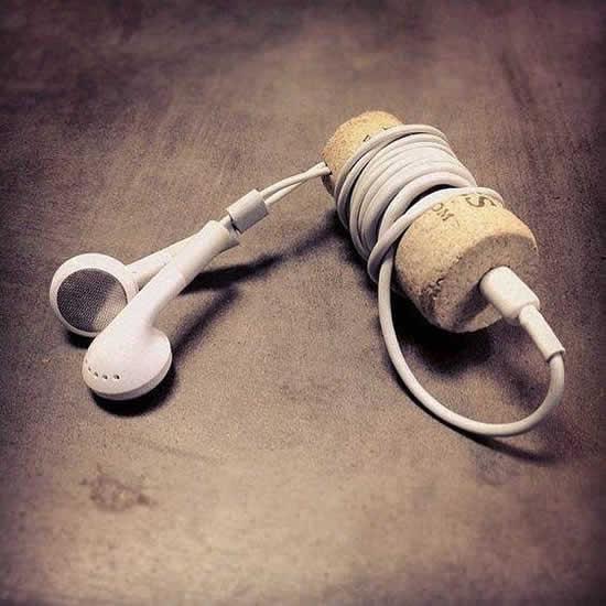 Porta fone de ouvido com rolhas