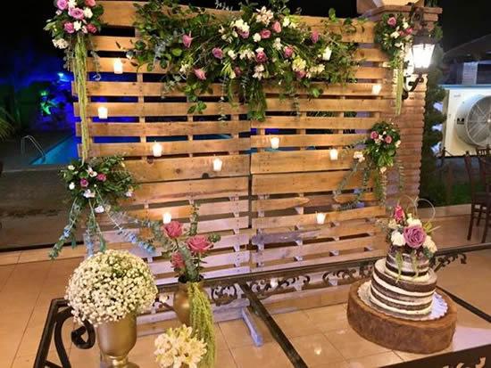Faça uma decoração com pallets para casamento