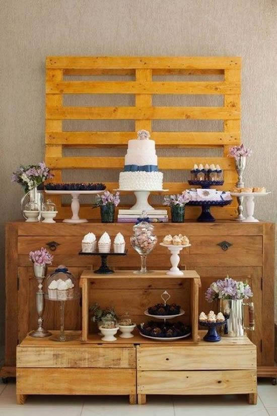 Enfeite com pallets para casamentos