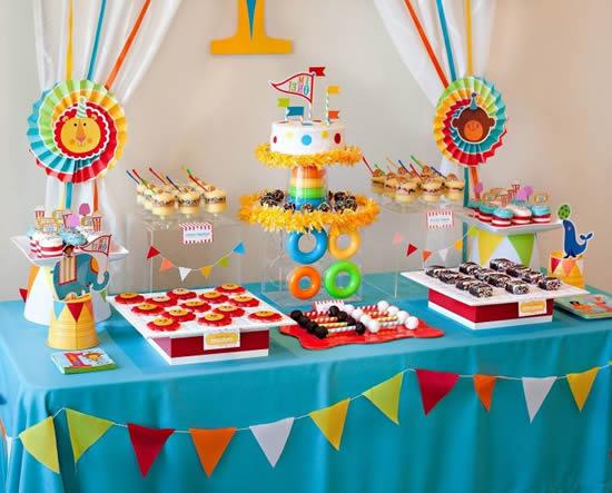 Decoração criativa para mesa de Dia das Crianças