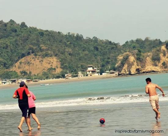 Brincadeiras para a praia com as crianças