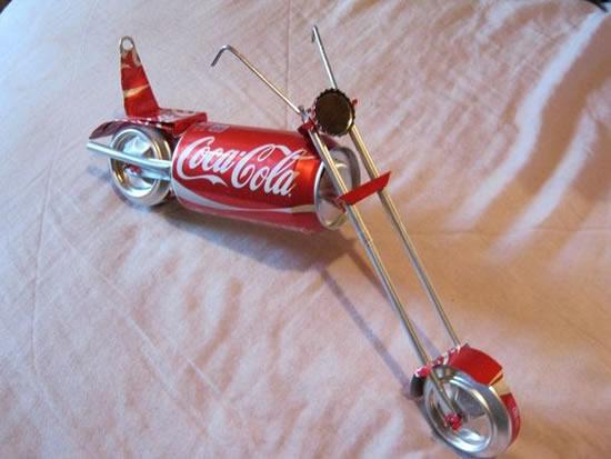 Lindos brinquedos com latas