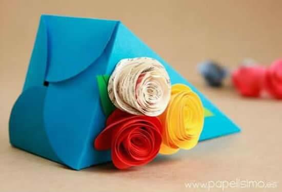 Molde para fazer embrulho de papel