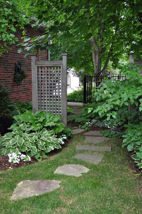 Caminho para jardim decorado