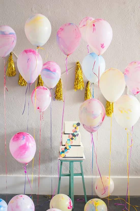 Enfeite com balões para festa
