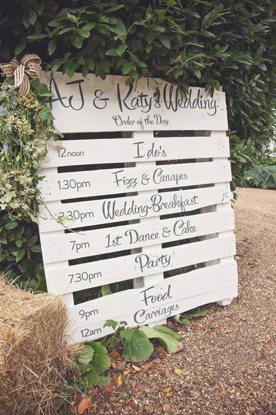 Lindos enfeites para casamento com paletes