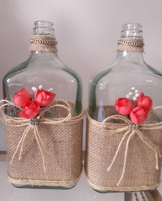 Decoração com juta para garrafa
