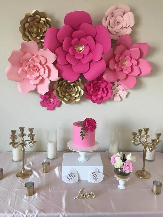 Flores de papel com moldes