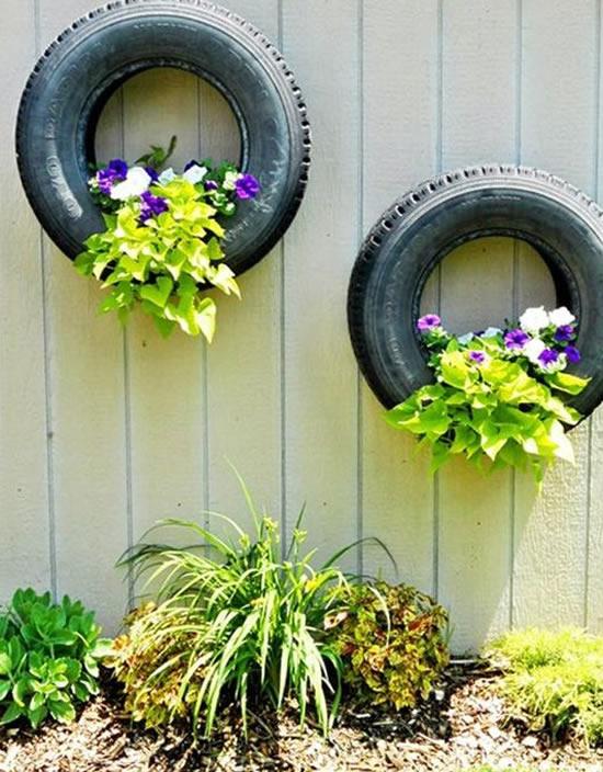 Enfeite com pneu velho para jardim