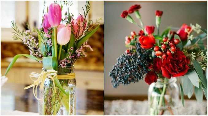Arranjos de flores em potes de vidro para decoração