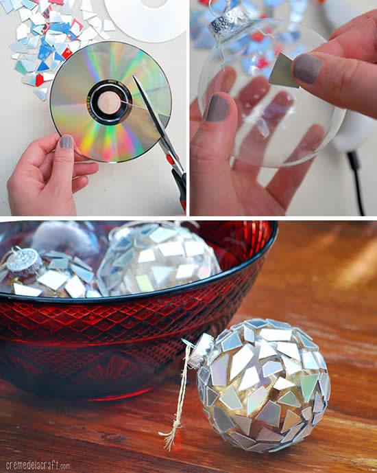 Bolas de Natal com cds velhos