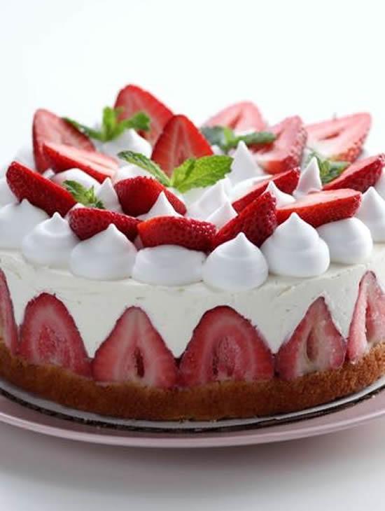 Lindo bolo de morango