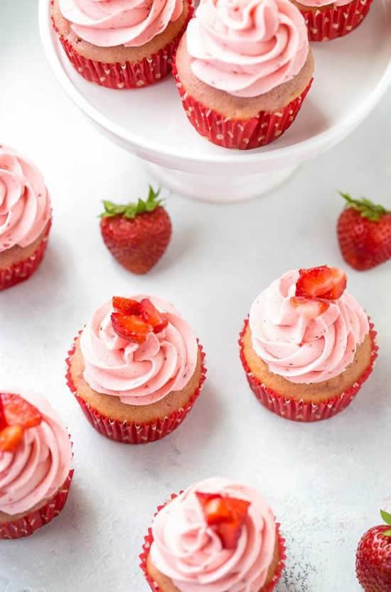 Cupcakes de morango para festa