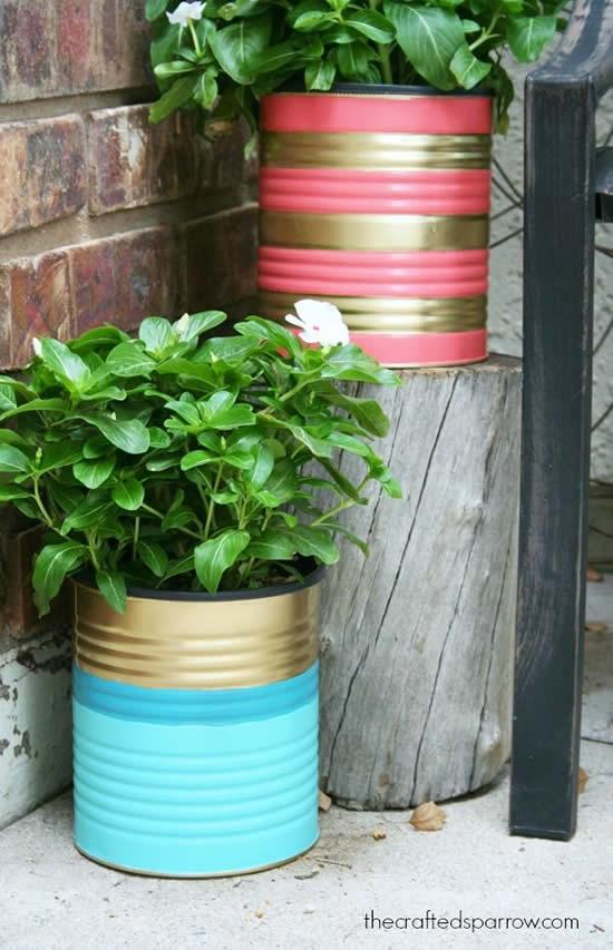 Decoração para o jardim com latas