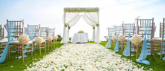 Decoração linda para casamento ao ar livre