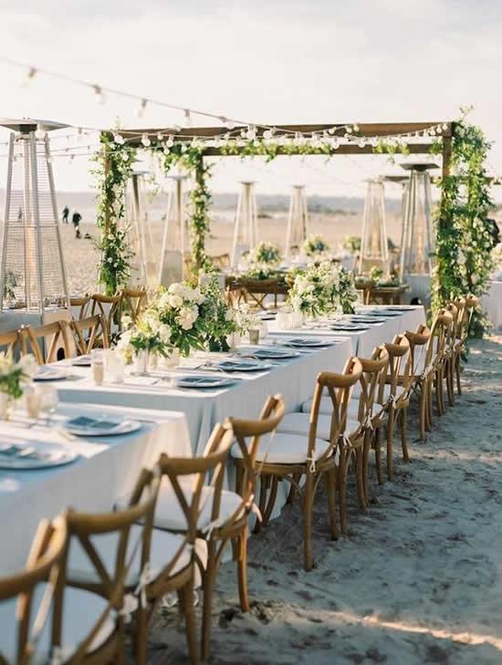 Casamento na praia: dicas, ideias e decoração