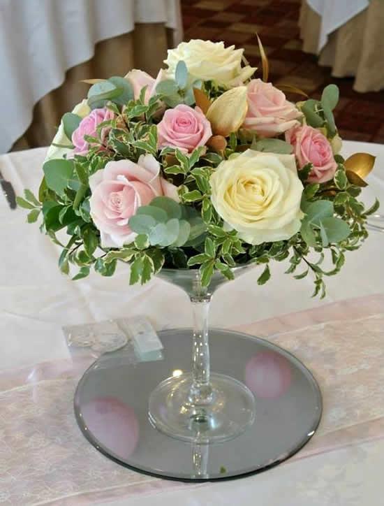 Arranjo de flores para decoração de casamento