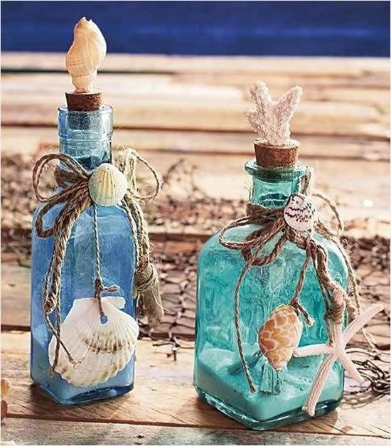 Enfeites com garrafas de vidro