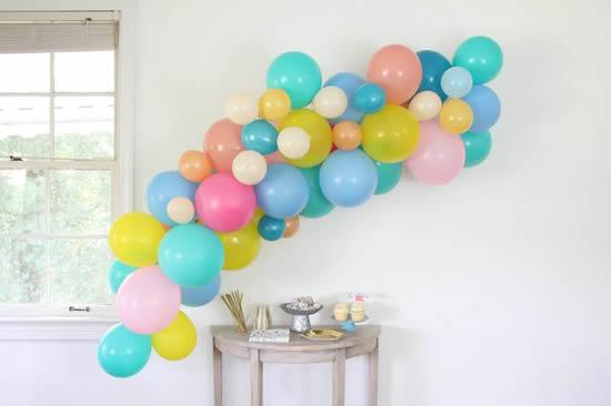 Decoração com bexigas para Dia das Crianças