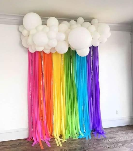 Nuvem com arco-íris para decoração