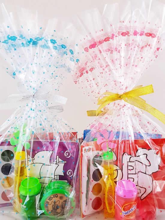 Lembrancinhas com sacos transparentes para Dia das Crianças