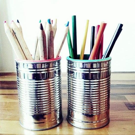 Porta-trecos com latas