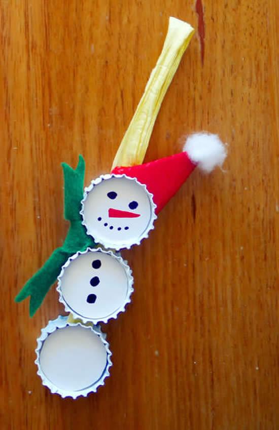 Enfeite de Natal com tampinhas