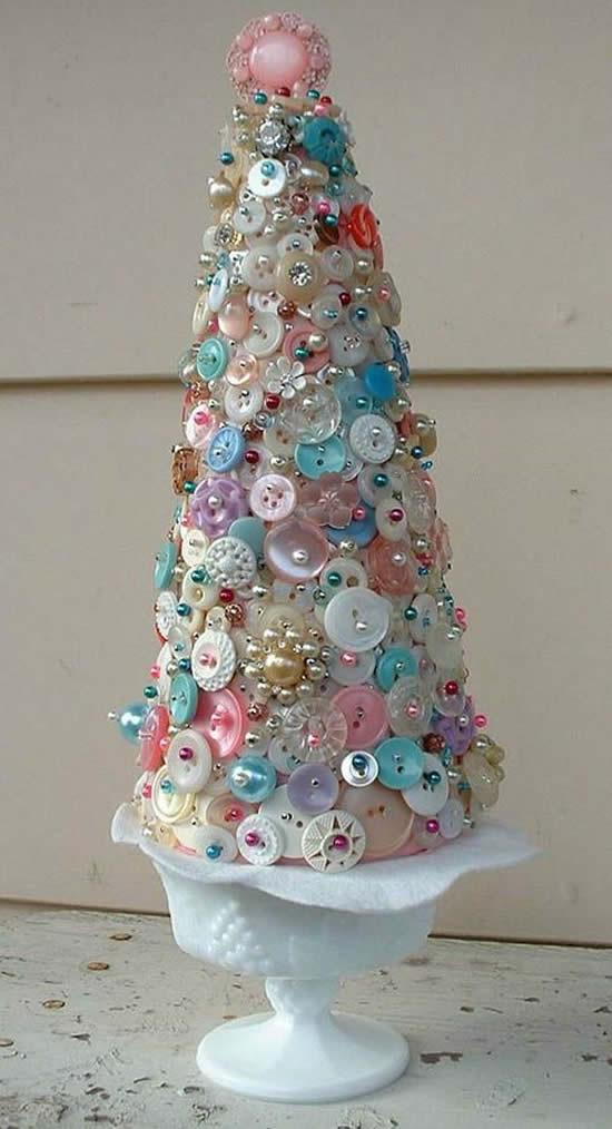 Árvore de Natal com botões
