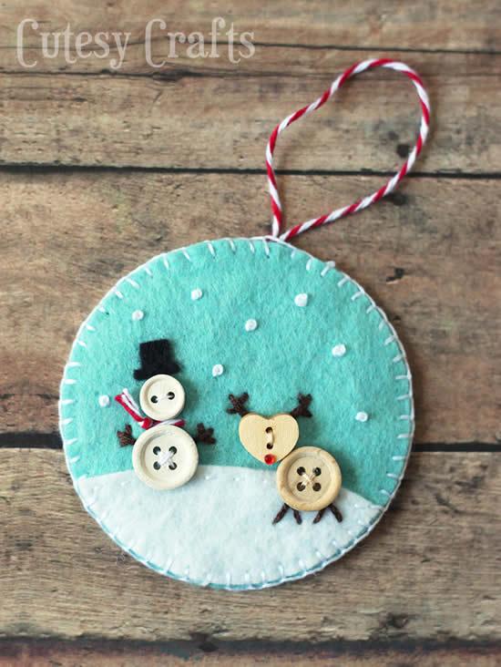 Artigo em feltro com botões para decoração de Natal