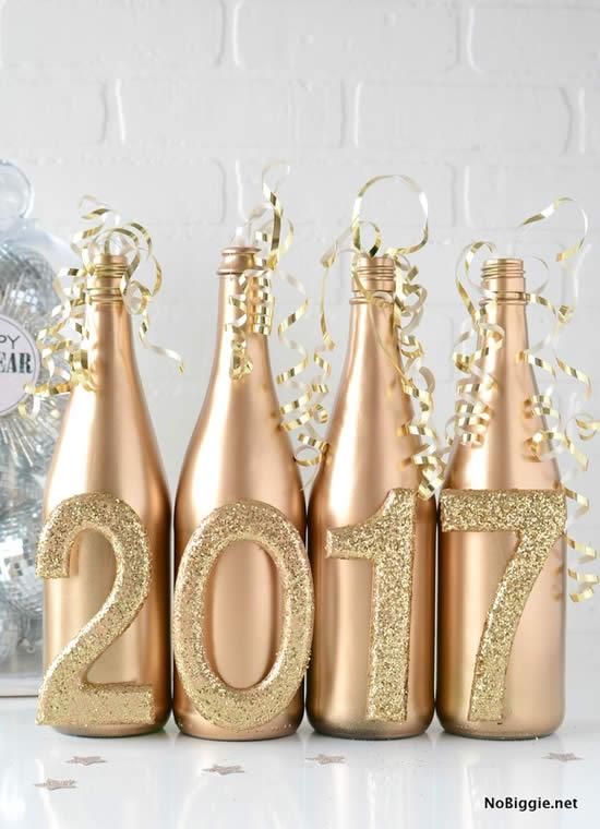 Decoração de ano novo com garrafas
