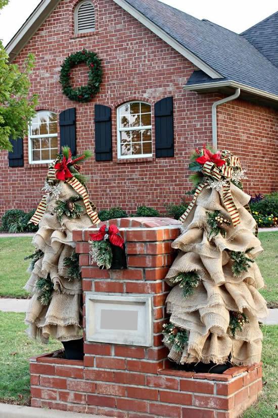 Árvores de Natal com juta