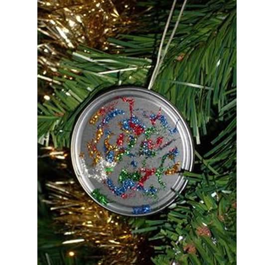 Enfeite com tampa de lata para Árvore de Natal