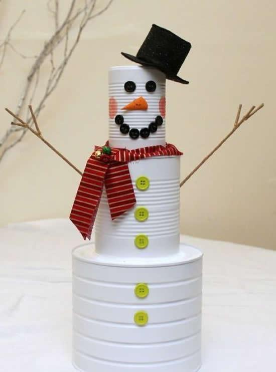 Boneco de neve com latas