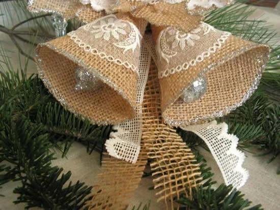 Sinos com juta para decoração de Natal