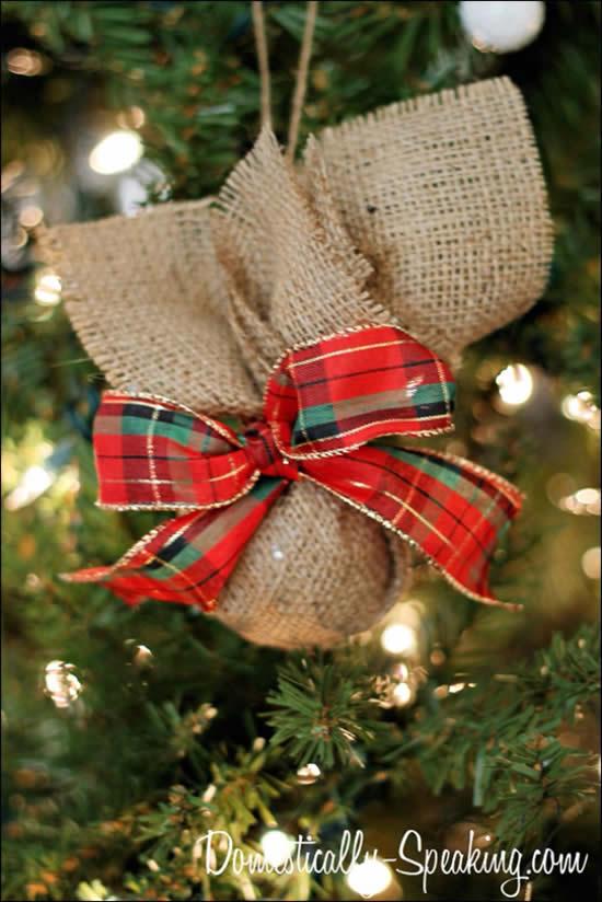 Enfeite para Árvore de Natal com juta