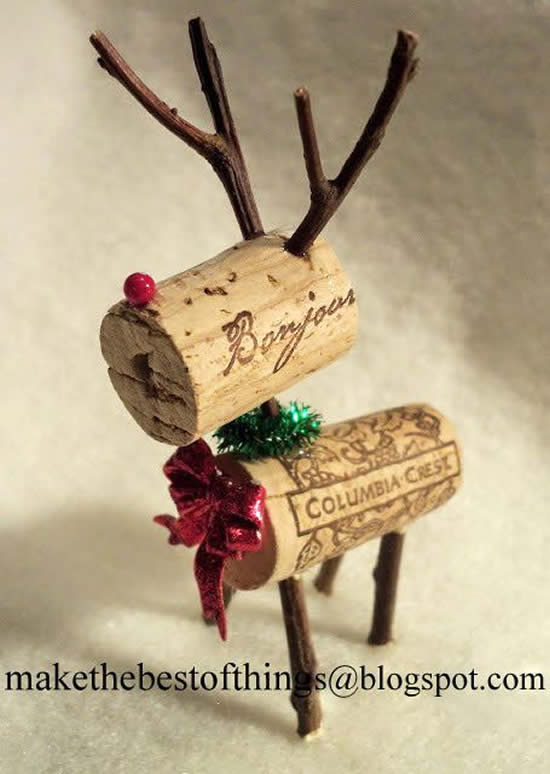 Enfeite com rolhas para Natal