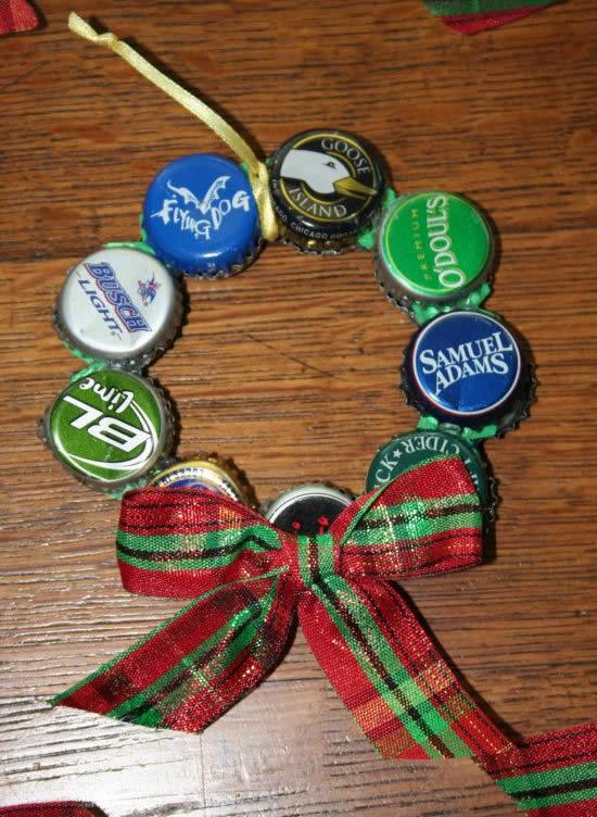 Guirlanda para o Natal com reciclagem de tampinhas