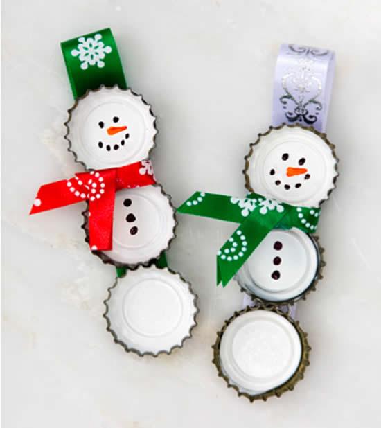Bonecos de neve para Natal com tampinhas