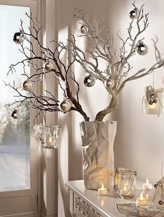 Árvore de Natal com galho seco