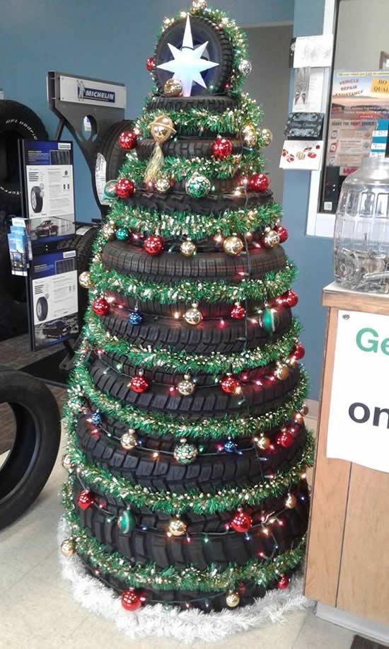 Árvore de Pneus para o Natal