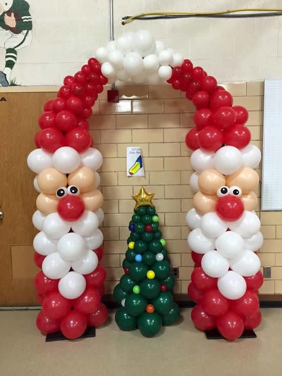 Decoração de Natal com Papai Noel de balões