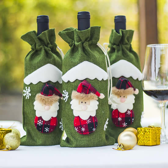 Linda decoração com garrafas para Natal