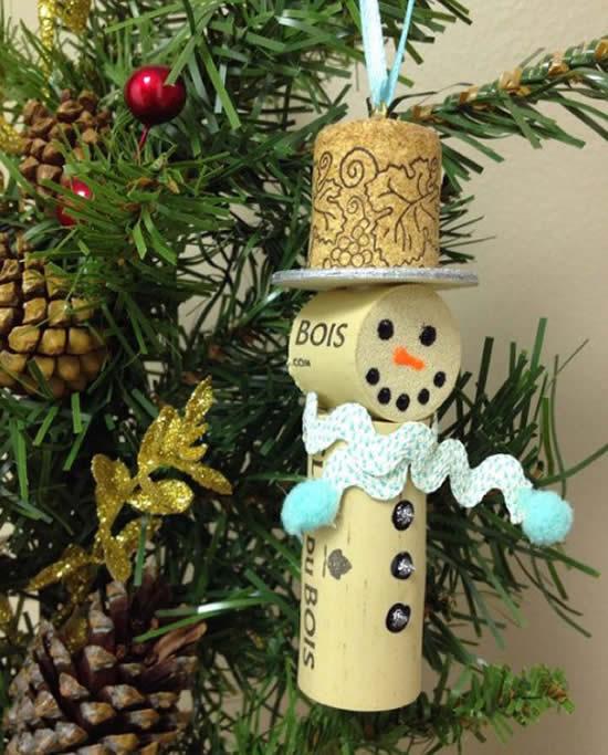 Decoração para Árvore de Natal com rolhas
