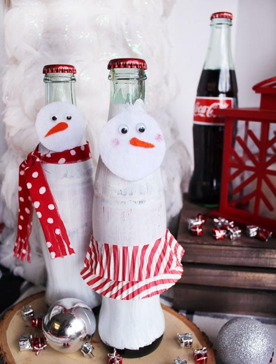 Decoração com garrafas para fazer boneco de neve