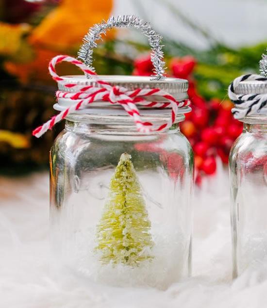Enfeites com potes de vidro para decoração de Natal