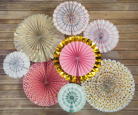 Flor de papel sanfonado para decoração