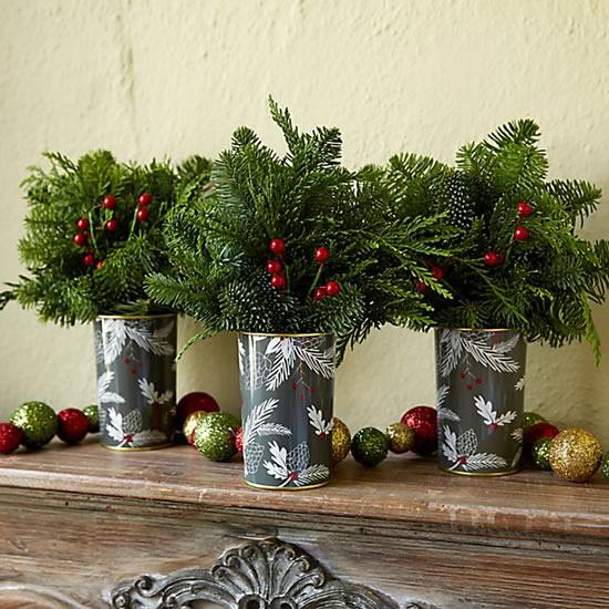 Enfeites com latas decoradas para Natal