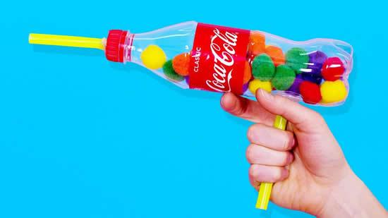 Brinquedo legal com reciclagem de garrafa PET
