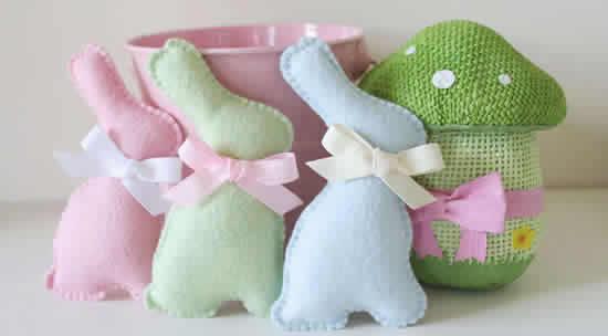 Coelhinhos de tecido feltro para Páscoa