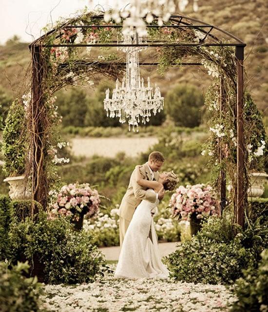 Portal para decoração de casamento no campo